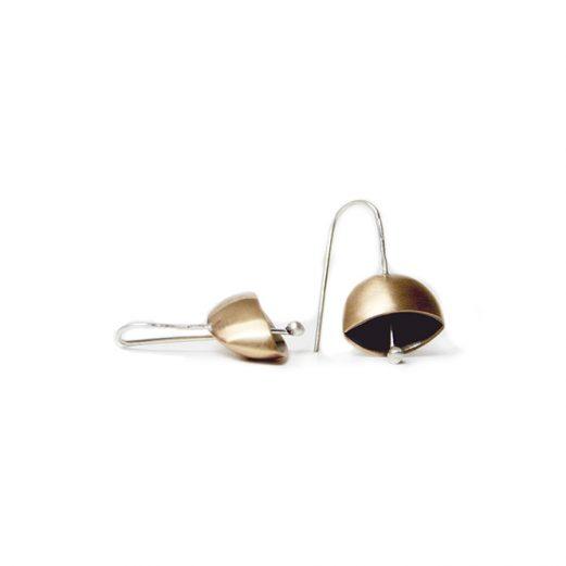 【Gioielli di Camilla】鐘モチーフの銀&ブロンズ製ショートピアス