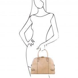 イタリア製ベジタブルタンニンレザーのハンドバッグ詳細