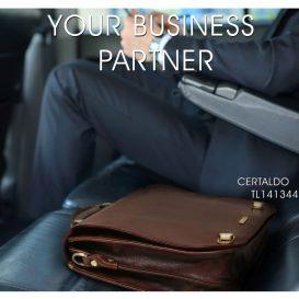 CERTALDO ベジタブルタンニンレザーのビジネスバッグ