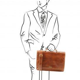 イタリア製ベジタブルタンニンレザーの取り外しポケットTL SMARTつきバッグ MANTOVA、ハニー、使用イメージ