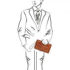 イタリア製ベジタブルタンニンレザーのセカンドバッグ DENIS、ハニー、使用イメージ