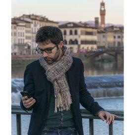 イタリア製ハンドメイド手織りマフラー、マフラーコディネート、メンズイタリアファッション