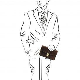 イタリア製ベジタブルタンニンレザーのカードフォルダー付セカンドバッグ ARTHUR、ダークブラウン、使用イメージ