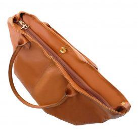 イタリア製柔らかいカーフ・ソヴァージュレザーのトートバッグ、コニャック、キャメル、詳細2