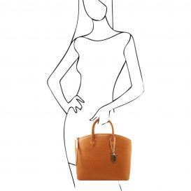 イタリア製本革バッグ、イタリア製サフィアーノレザーバッグ、Mサイズ、コニャック、キャメル、詳細3