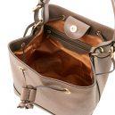 イタリア製サフィアーノ・カーフレザーの巾着バッグ、ショルダーバッグ、ダークトープ、トープ、ベージュグレイ、グレージュ、詳細3