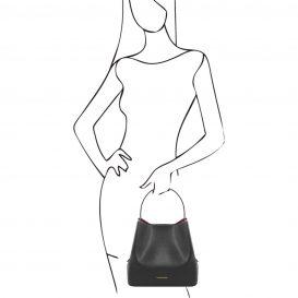 イタリア製サフィアーノレザーのポーチ付きハンドバッグ、黒、ブラック、詳細6