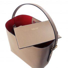 イタリア製サフィアーノレザーのポーチ付きハンドバッグ、ダークトープ、トープ、ベージュグレー、グレージュ、詳細3