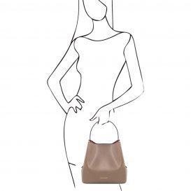 イタリア製サフィアーノレザーのポーチ付きハンドバッグ、ダークトープ、トープ、ベージュグレー、グレージュ、詳細7