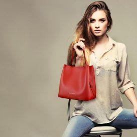 ARIANNA サフィアーノレザーのポーチ付きハンドバッグ