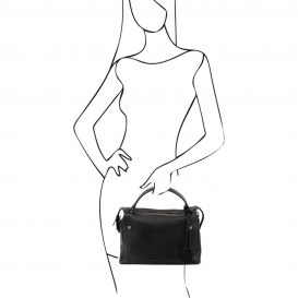 イタリア製シボ加工柔らかいカーフレザーの2WAYハンドバッグ・ショルダーバッグ、黒、ブラック、詳細5