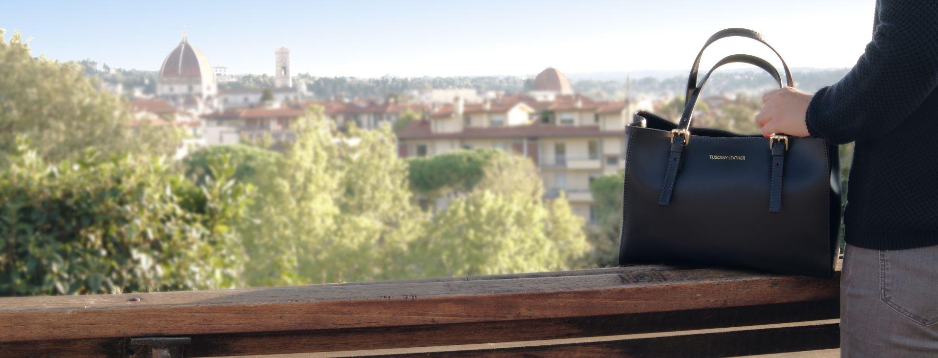 イタリア製本革バッグ、フィレンツェのバッグ、レディースバッグ、ブラックハンドバック