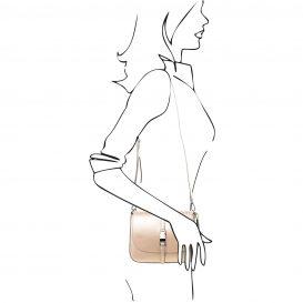 イタリア製NAUSICA メタリック・カーフレザーの2WAYハンドバッグ、ショルダーバッグ、ゴールド、金、シャンパンゴールド、詳細5