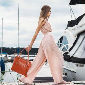 イタリア製ルーガ・カーフレザー2WAYハンドバッグ、使用イメージ