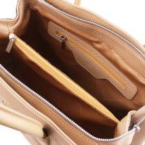 イタリア製シボ型押しレザーの2WAYハンドバッグ CAMELIA、シャンパーニュ、詳細2