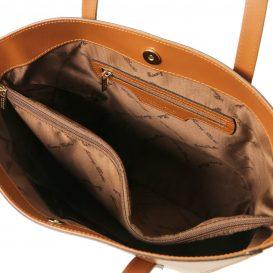 イタリア製ルーガレザーのトートバッグ NEMESI、コニャック、詳細2