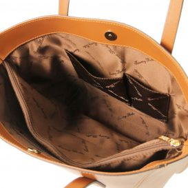 イタリア製ルーガレザーのトートバッグ NEMESI、コニャック、詳細3
