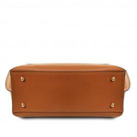 イタリア製ルーガレザーのトートバッグ NEMESI、コニャック、詳細4