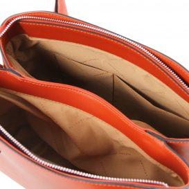 イタリア製ルーガ・カーフレザーの2WAYハンドバッグ FLORA、ブランデー、詳細3