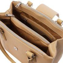 イタリア製シボ型押しレザーの2WAYハンドバッグ FIORDALISO、シャンパーニュ、詳細2