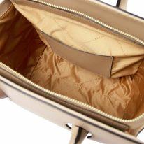 イタリア製スムースレザー2WAYハンドバッグ BRIGID-Mサイズ、シャンパーニュ、詳細3