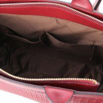 イタリア製イントレチャート編み込み風スウェードの2WAYトートバッグ、レッド、詳細4