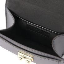 イタリア製スムースレザーのゴールドチェーンストラップ付ハグ TL BAG、ブラック、詳細3