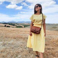 イタリア製ベジタブルタンニンレザーのショルダーバッグ ALESSIA、使用イメージ1