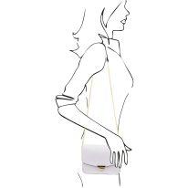 イタリア製サフィアーノレザー&ゴールドチェーンのクラッチ&ショルダーバッグ TL BAG、ホワイト、詳細5
