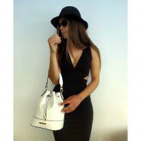 イタリア製シボ型押しレザー2WAY巾着バッグ TL BAG、使用イメージ