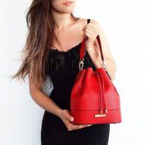 イタリア製シボ型押しレザー2WAY巾着バッグ TL BAG、使用イメージ3