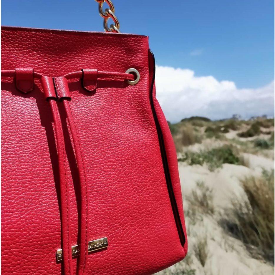 イタリア製2021春の新作バッグ_赤い巾着レザーバッグ