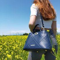 イタリア製フルグレインレザー2WAYキルティング・ハンドバッグ TL BAG、使用イメージ2