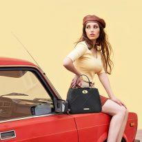 イタリア製フルグレインレザー2WAYキルティング・ハンドバッグ TL BAG、モデルイメージ