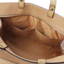 イタリア製シボ型押しレザーの2WAYハンドバッグ TL BAG、シャンパーニュ、詳細5